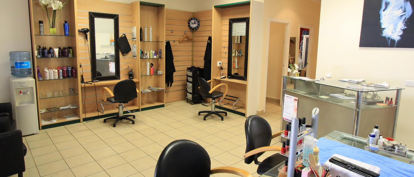 Perfect 10 hair and beauty salon home for Added touch salon